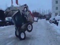 Kar Temizleme Aracı İle Şov Yapmak!