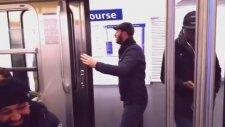 Paris Metrosunda Muavinlik Yapan Adanalı