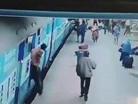 Tren Rayındaki Feci Ölüm - Hindistan