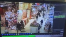 Mısır Çarşısı'nda Tabanca İle Lamba Vurmak