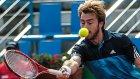 Türk tenisçi ilginç hareketleriyle dikkat çekti