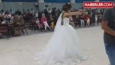 Düğününde Kaşık Oyunuyla Kendinden Geçen Gelin, İzlenme Rekoru Kırıyor