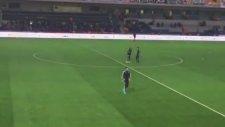 Boyko Maç Öncesinde Tribüne Çağrıldı
