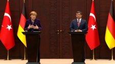 Davutoğlundan Alman Muhabirine Tarihi Cevap