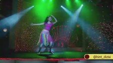 Khushı'den Muhteşem Dans - Ek Do Teen Char