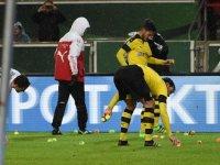 Borussia Dortmund Taraftarlarından Tenis Toplu Protesto