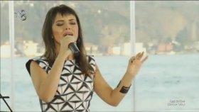 Beyza Durmaz - İngilizce-Fransızca-Arapça - Canlı Performans (Şeffaf Oda)