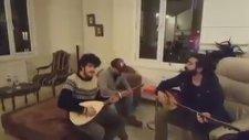 Emre Sertkaya & Ali Dağaşan - Susarak Özlüyorum Seni (Akustik Canlı Performans)