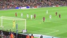 Messi'den Cruyff Penaltısı (Tribün Çekimi)