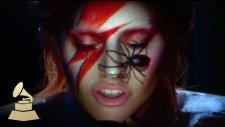 Lady Gaga'dan David Bowie Performansı (Grammy Ödülleri)