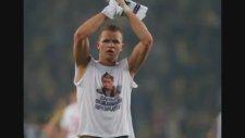 Rus Futbolcu Maç Sonu Putin Fotoğraflı Tişörtüyle Dolaştı