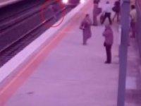 Metroda Ölümle Burun Buruna Gelmek