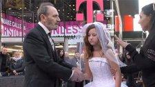 12 Yaşındaki Gelin Çocuk New Yorkluları Kızdırdı