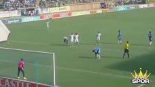 Messi'nin Penaltı Pasına Özenip Rezil Olmak