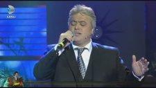 Cengiz Kurtoğlu - Yorgun Yıllarım (Beyaz Show Canlı Performans)
