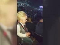 Justin Bieber Konserinde Kendinden Geçen Ufaklık