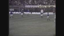 Vurguncular Filminde Türkiye - İtalya Maçını Göstermek (1973)