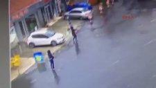 Bayrampaşa'daki Çevik Kuvvet Şube Müdürlüğü'ne  Saldırı Anı Görüntüleri