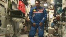 Uzayda Bile Namazını Aksatmayan Astronot