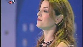 Aşkın Nur Yengi - Şarkılar Seni Söyler