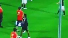 Sakin, Sadece Ronaldinho Isınıyor