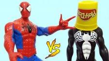 Spiderman Vs Black Spiderman Orbeez Banyosu yapıyor ve sürpriz yumurtaları buluyor