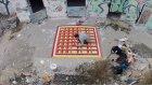 Yaptığı Zemin Desenleriyle Yıkılan Binaları Tekrardan Canlandıran Sokak Sanatçısı