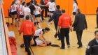 Voleybol Maçında Kızlar Tekme Tokat Kavga Etti