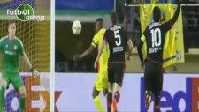 Cedric Bakambu'nun Gecesi! 2 Gol Attı...