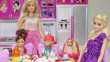Barbie Ve Ailesi Eda Teyzeye Kahvaltıya Gidiyor   Barbie İzle   Evcilik Tv