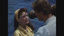 The Crimson Pirate (1952) Fragman