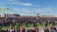 Diyarbakır 2016 Nevruz'da Kürt Milli Marşı Okundu!