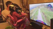 Kendi Şartlarıyla Kızını Simülasyon Oyununa Sokan Baba