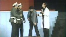 Devekuşu Kabare - Alkol Kontrolü (1984)