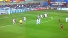 Genç Barcelona'lı futbolcudan enfes  frikik golü