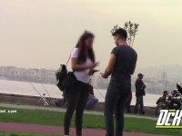 Dudaktan Öpüşme Cezalı Taş, Kağıt, Makas Oyunu (Türkiye)