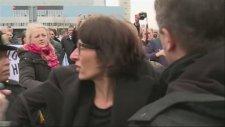 Fransız Gazeteci Florence Hartmann Lahey'de Yaka Paça Tutuklandı