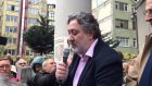 Cumhuriyet Yazarı Sabah Muhabirine Saldırdı!