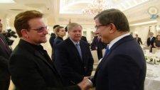 U2'nun Solisti Bono : Türkiye Dünyaya Nezaket Dersi Verdi