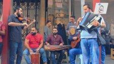 İstiklal Caddesi - Suriyeli Sokak Sanatçıları