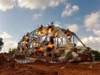 Bir Köprünün Ağır Çekim Görüntüleriyle Patlama Anı