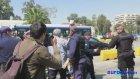 Bebeğini Polise Fırlatmaya Çalışan Suriyeli Mülteci