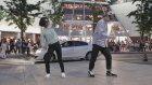 AVM'de Elektro Dansın Irzına Geçen İkili