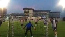 Muharrem Usta, Hami Mandıralı'yı Penaltıdan Avladı.