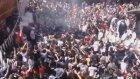 Beşiktaş Taraftarları Çarşıyı İnletti