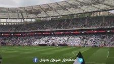 Beşiktaş Vodafone Arena'da Ateşini Yolla Tezahüratları