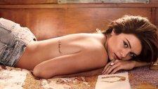 Selena Gomez'den GQ'ya Birbirinden Seksi Pozlar