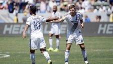 Gerrard Ve Giovani Dos Santos Takımını Uçurdu!