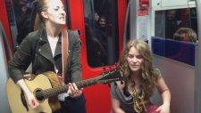 Bu Metroda Olmak Vardı: Cajon ve Gitar ile Yapılan Muhteşem Performans