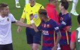 Neymar'ın Sevinen Valencialı Futbolcuya Tokat Atması 7300 Tekrarlı